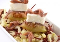 Barchetta di camone farcito ai formaggi freschi, acciuga sott'olio e cuore di sedano